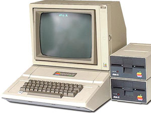 apple II first computer with a color display 1977